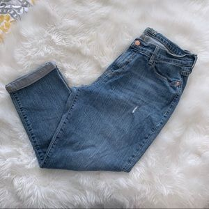 Old Navy Sweetheart Crop Light Wash Jeans